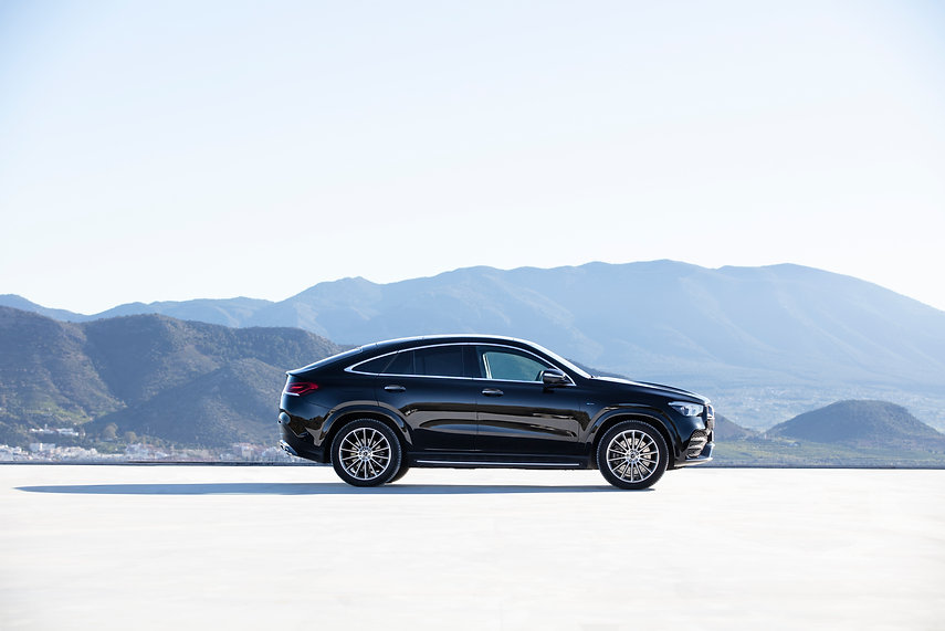 Mercedes-Benz-Siren-creatives-GLE-2020-0