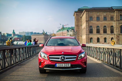 siren-creatives-mercedes-benz-stockholm-