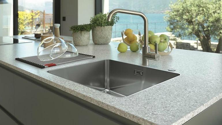 Franke sink and taps 15.jpg