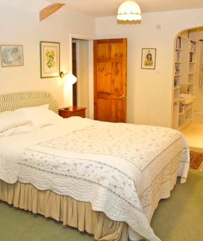 Beautiful master bedroom with en suite
