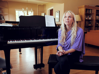 Charlotte - Vocal Teacher Promo