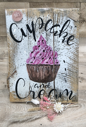 cupcake and cream