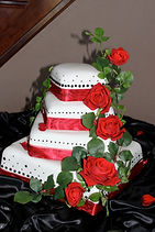 Red Rose Wedding Cake Aaron Coulson  ACEntetainment