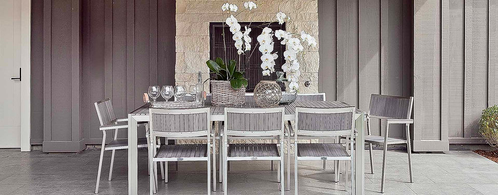 A Squared Primavera Outdoor Dining Large