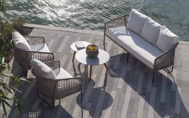 Primavera Outdoor Living Small Package