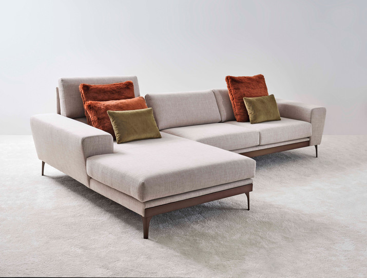 Lloyd Chaise Sectional