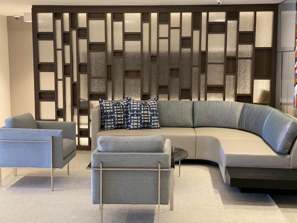 Yacht Club Lounge