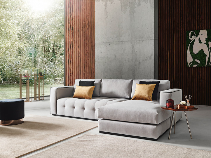 Calvin Sectional with Chaise