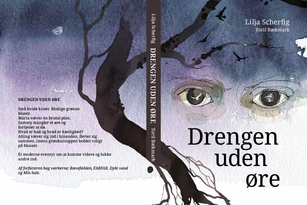 Drengen uden øre Lilja Scherfig Illustrationer Toril Bækmark  Illustreret kortroman om børnesoldater, krig  og efterladte. Om verede og hævntørst, om tilgivelse og kærlighed. En bog, der på samme tid er afsindig smuk og skræmmende på en gang knugende og forløsende. Kan læses af både voksne og børn over 12 år  Vurdering En smuk og poetisk bog om børnesoldater: Det lyder som en umulighed, men det modbeviser denne lille perle af en fortælling. Tempoet i sproget er dvælende, historien fortælles med symbolik og antydningens kunst. De smukke illustrationer i stregtegning, blæk og akvarel, er stemningsskabende, og viser personernes følelser midt i al det dagligdags. En bog, der viser hvad krig gøre ved os. Om voldsom hævntørst, raseri og sorg, men alligevel, måske, er der plads til tilgivelse  Anbefales varmt til folkebiblioteker og PLC Skrevet af Johanne Elvers Madsen