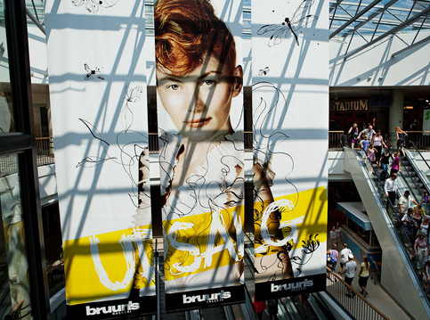 Brunns Bazar 2010-2011, is a mall in the city of Aarhus, the drawings is for summer and winther sales campaign