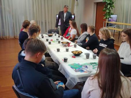 Отношение молодежи к службе в российской армии. Интерактивная встреча для подростков и членов Молоде