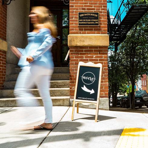 Avere Beauty Street Sign.jpg