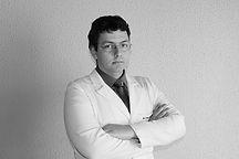 Dr.-Thiago-Bortholin.jpg