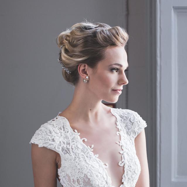 Classic wedding hairstyling Lynnette Chasmer mua TeamGlam