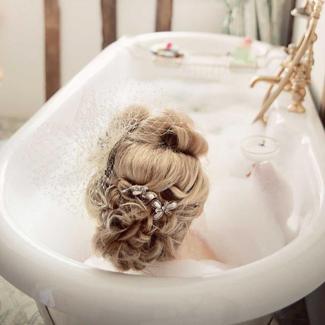 Bride in the bath vintage hair Lynnette Chasmer