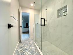 Braker Shower