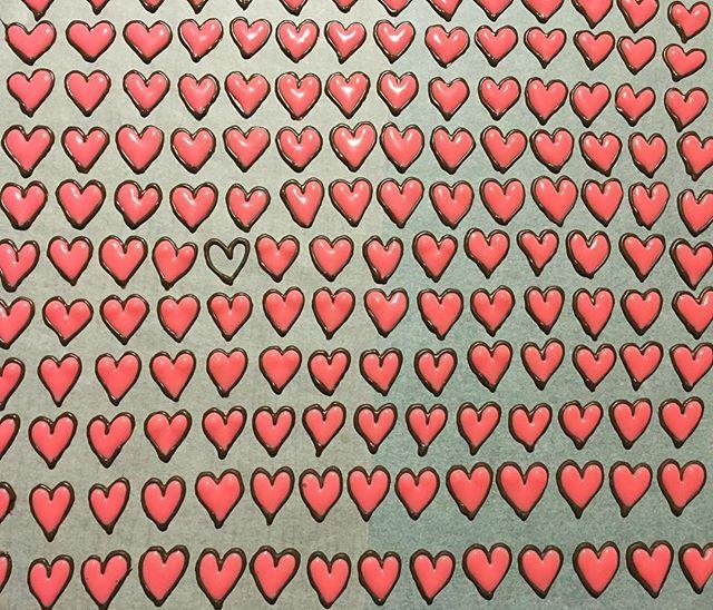 誰かのしあわせを作り出すために生きていく道!_その中に、その先に。_#heart #chocolate #art #happy #handmade #lunamooncake