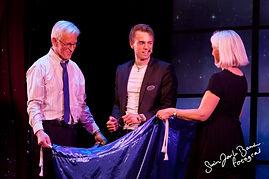 Show, Julebord, Hans Grane, trylling