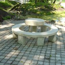 Dolomiidist laud ja toolid