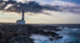 lighthouse-3748812_1920.jpg