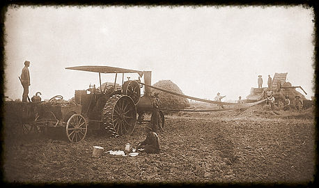 C. R. Voth threshing crew | Goessel Museum