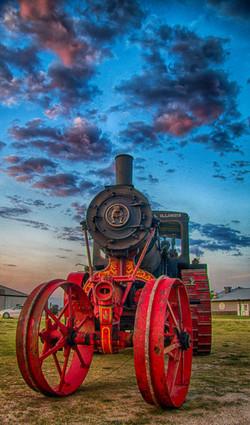 DSC07194_HDR Avery Tractor.jpg