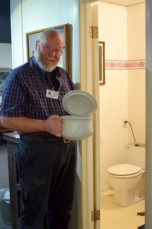 Porcelain Chamber Pot /Goessel Museum