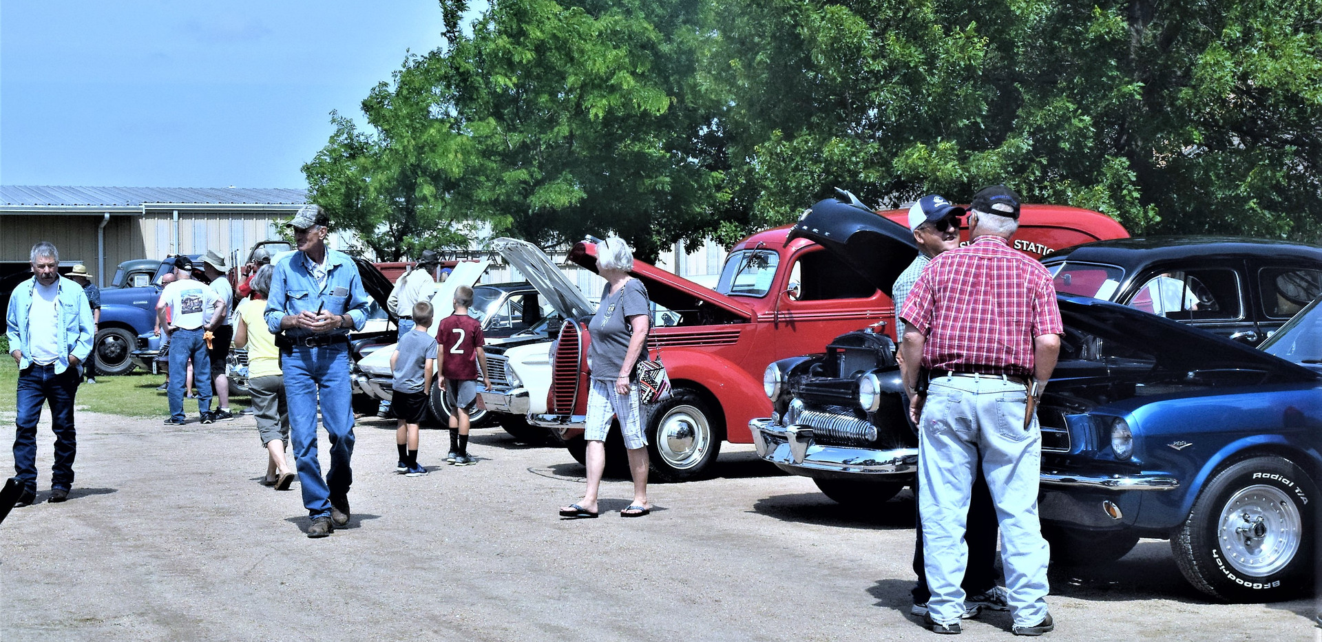 Crowd at Classic Car and Truck Show 2019