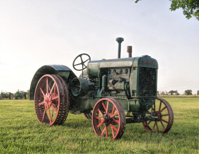 DSC08065 Cockshutt Tractor.jpg