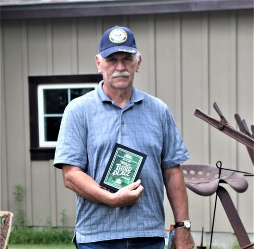 Jerry Beeler (Ford) 3rd place car award.