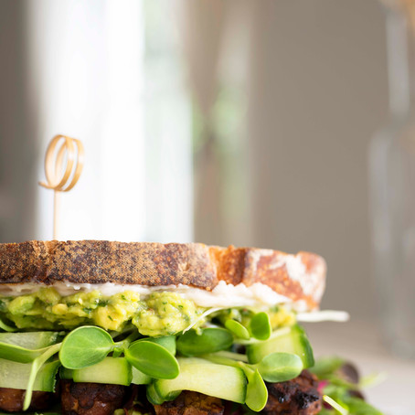 Smoky Tempeh Sandwhich