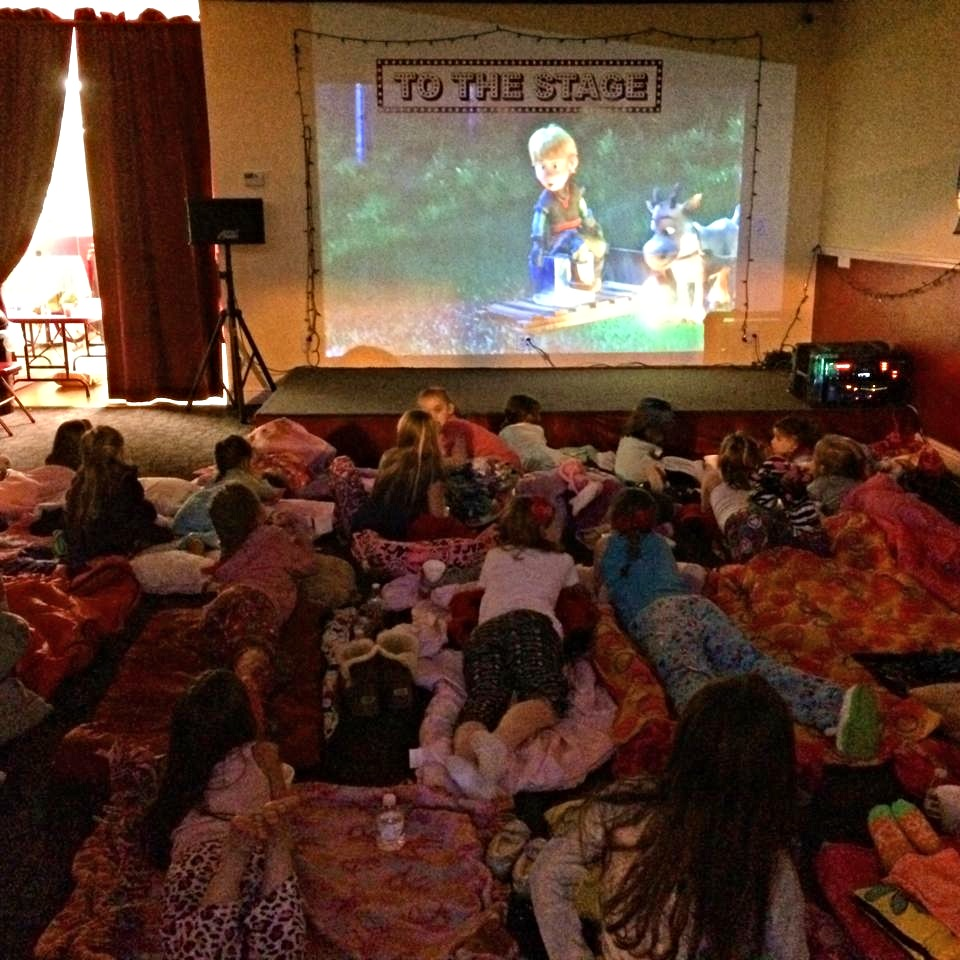 MOVIE PJ PARTY