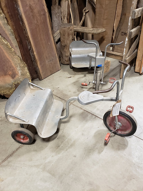 Vintage Angeles Rickshaw Tricycles