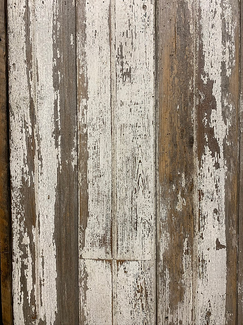 18 Sq Ft of White Chippy Barn Wood Siding Bundle