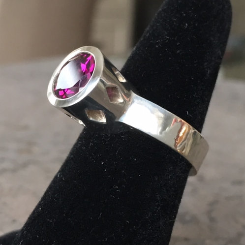 Punchy Cocktail Ring in sterling silver with Rhodolite Garnet