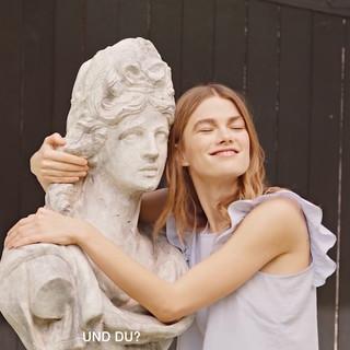 statue still .jpg