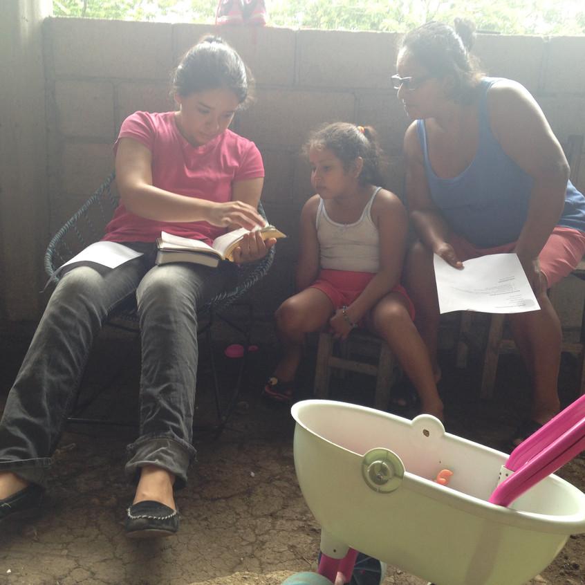 Gaby, Hiedi, and Mariana