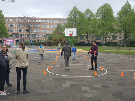 Basketballen met de Scouts