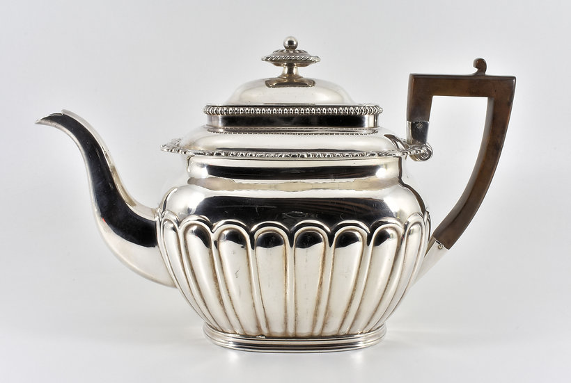 Antique English Late Victorian Silver Plated Teapot c1890