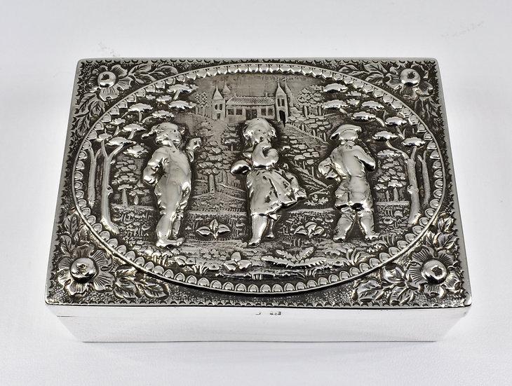 Antique Victorian Solid Silver Trinket/Snuff Box, (Deakin & Francis, 1901)
