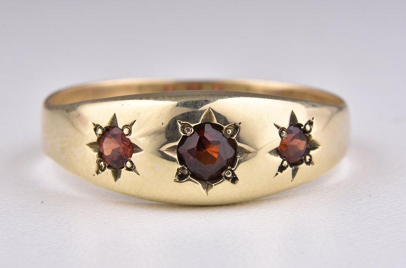 Vintage 9ct Gold Garnet Gypsy Ring, (Sheffield, 1997)