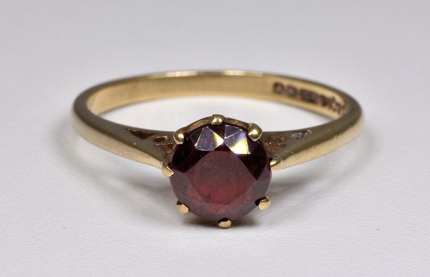 Vintage 9ct Gold Garnet Solitaire Ring, (Birmingham,1973)