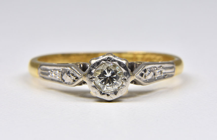 Vintage 18ct Gold & Platinum Solitaire Diamond Ring, (Birmingham, 1987)