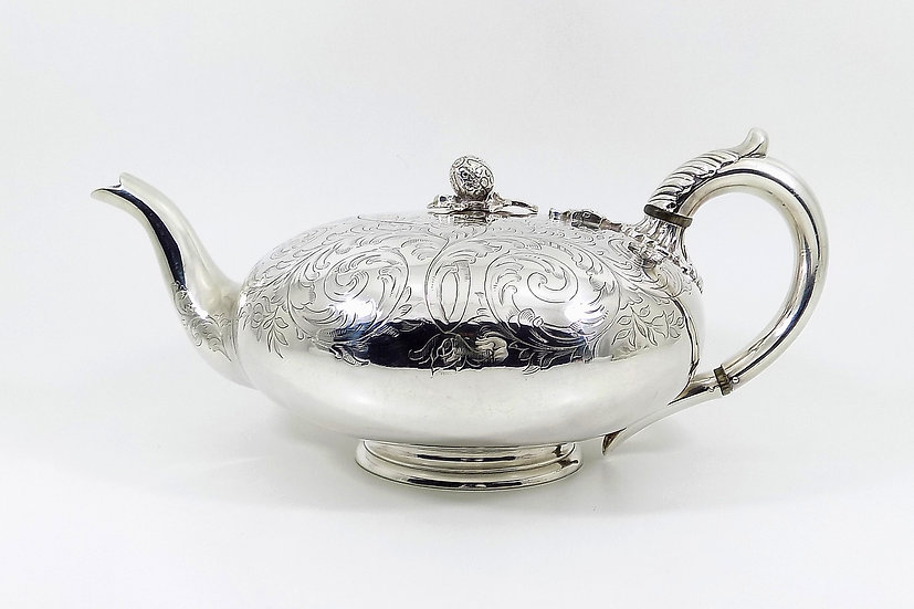 Antique Early Victorian Silver Plated Teapot (Elkington & Co, 1850)