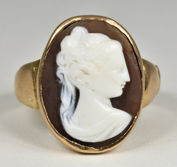 Antique Victorian 9ct Gold Hard Stone Cameo Ring, (c1880)