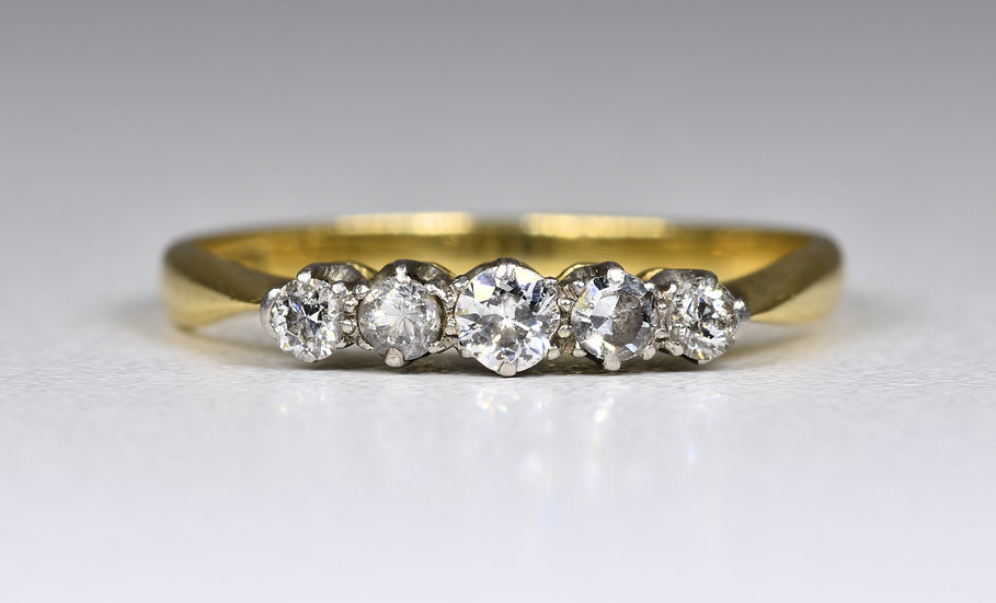 Vintage 18ct Gold Diamond 5 Stone Ring, (1950's)