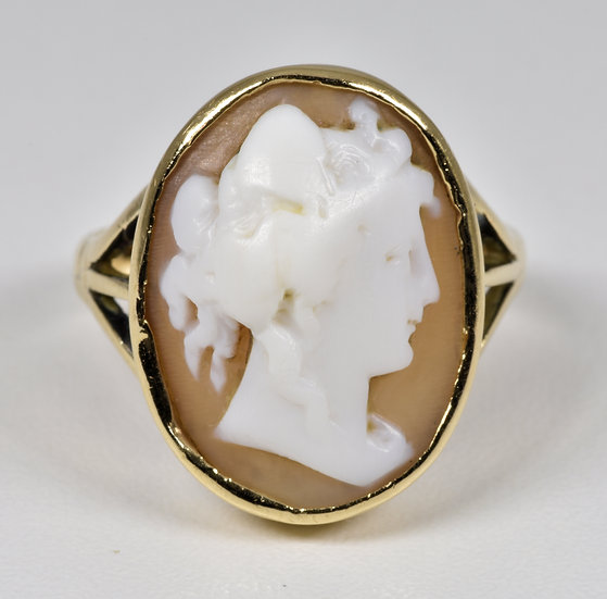 Antique Victorian 9ct Gold Shell Cameo Ring, (c1880)