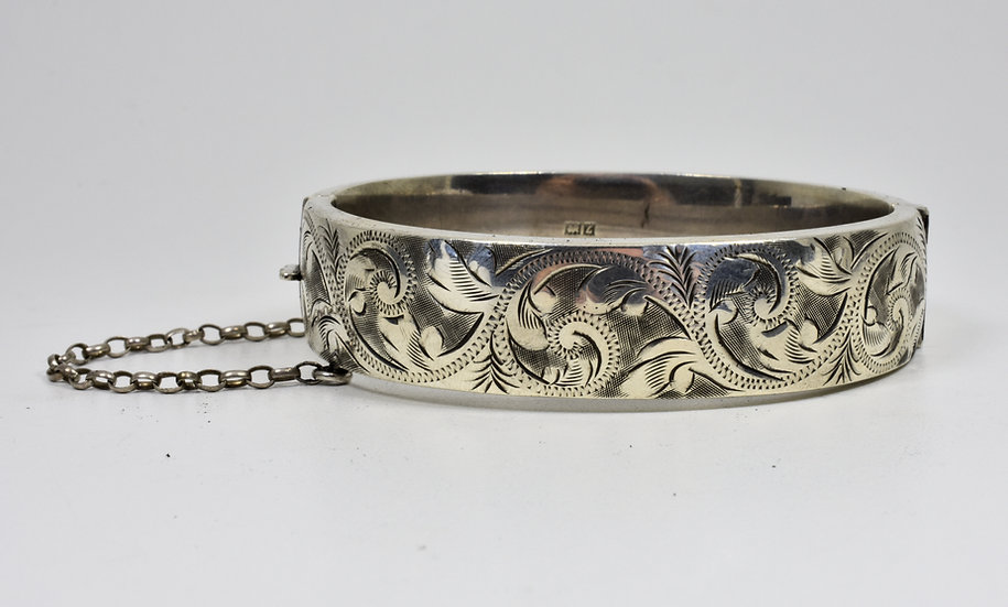 Vintage English Solid Silver Hinged Bracelet, (Owen Powell,1960)