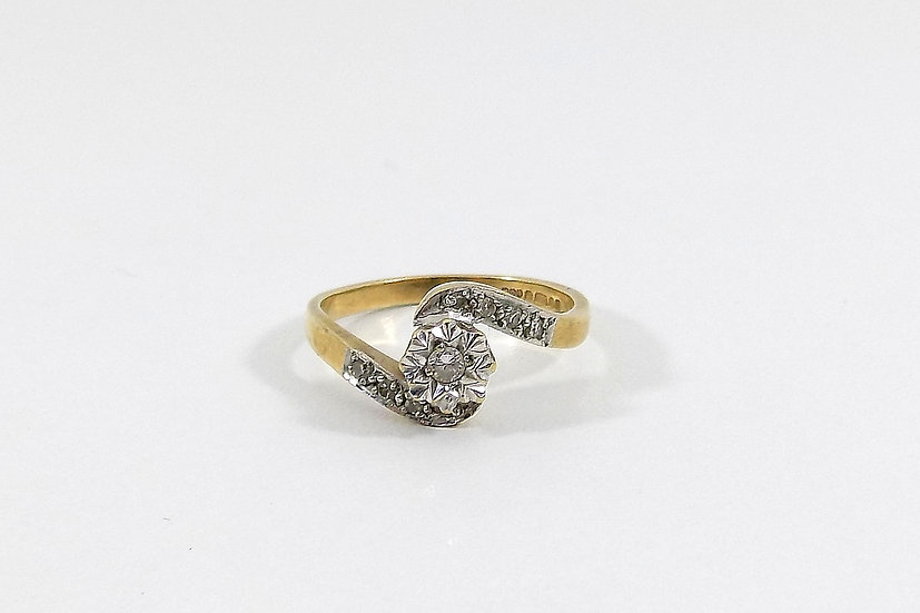 Vintage Ladies 9ct Gold & Diamond Crossover Ring, UK Size K, U.S. Size 5 1/4