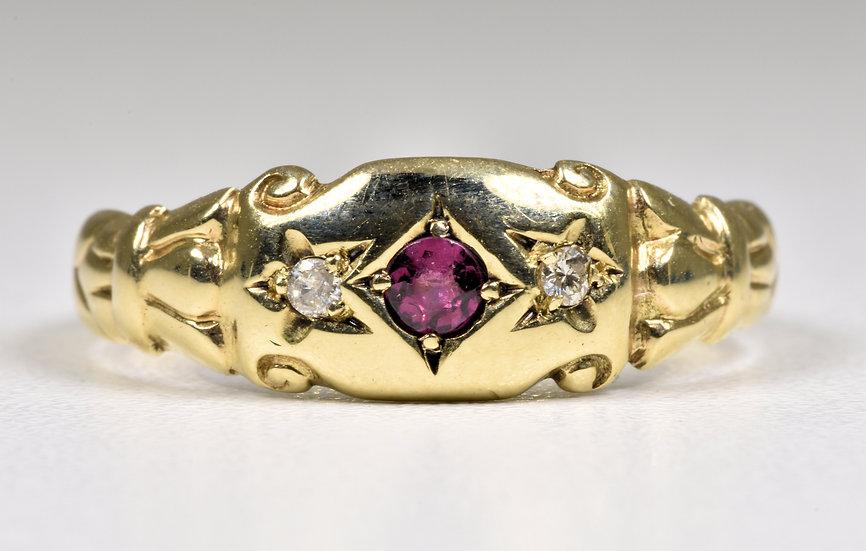 Antique George V 9ct Gold Ruby & Diamond Gypsy Ring, (Birmingham,1919)
